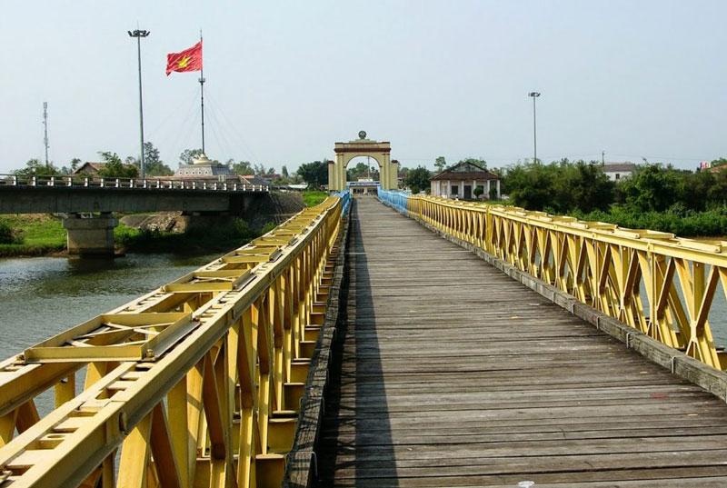 hien-luong-brigde-3
