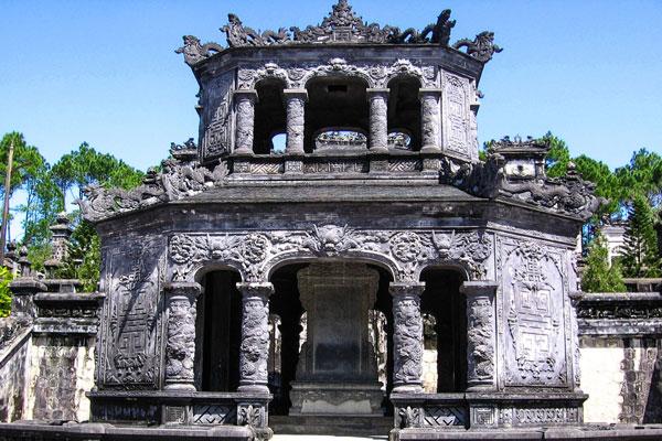 khai-dinh-tomb-in-hue