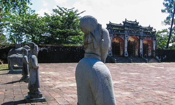minh-mang-tomb-in-hue