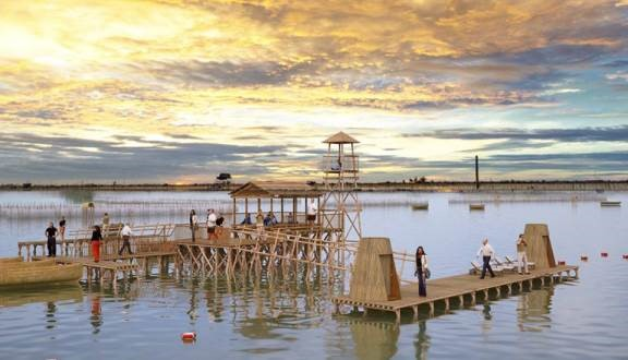 Check-in-at-the-highest-point-of-Tam-Giang-Lagoon