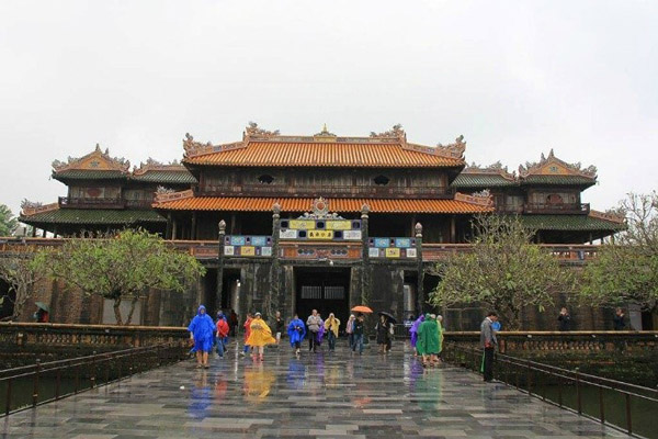 hue-citadel-rain-day